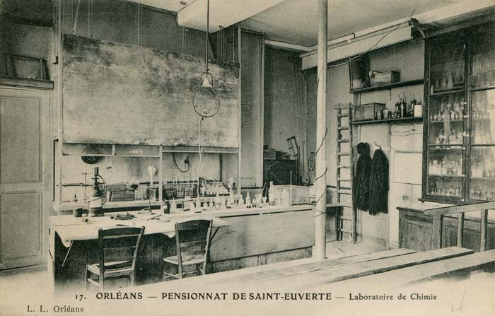 Le pensionnat Saint-Euverte - Le laboratoire de chimie, 1909