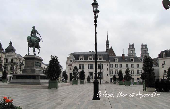 http://orleansha.free.fr/places/place-du-martroi/photos/place-du-martroi-pho044z.jpg
