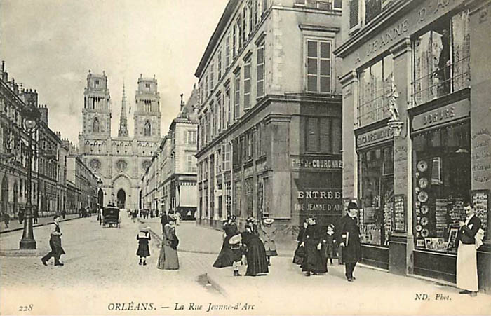 Rue Jeanne d'Arc - Magasin A Jeanne d'Arc, 1909